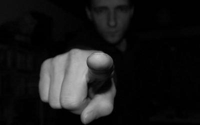 Culpabilidad y Confianza en sí mismo…verdugo y víctima